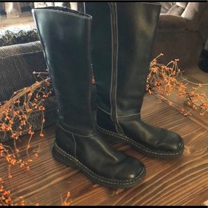 🥰Born Black Leather Boots Size 8🥰